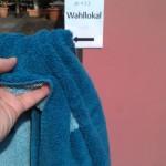 Auch am Wahlsonntag Pflicht: Das Handtuch